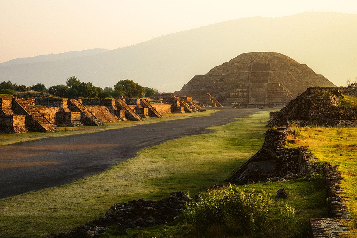 Teotihuacan-Sunrise